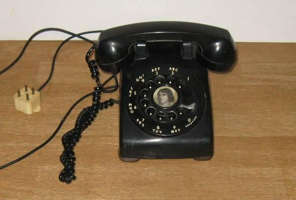 Vintage 1963 Black Rotary Dial Desk Table Phone w Metal Dial - $15