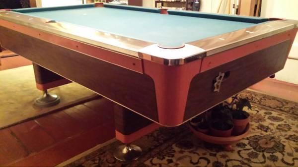 Beau Vintage 1964 Fischer Pool Table Coin Op / Bar Table