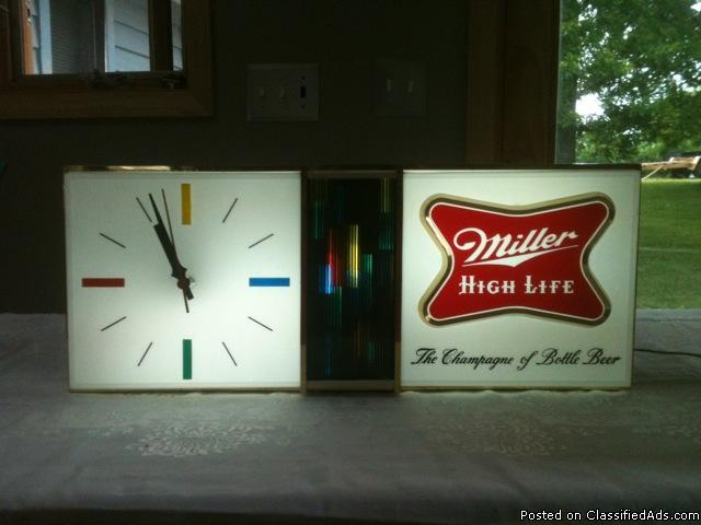 vintage 1967 miller high life light clock for sale in ellisville missouri classified. Black Bedroom Furniture Sets. Home Design Ideas