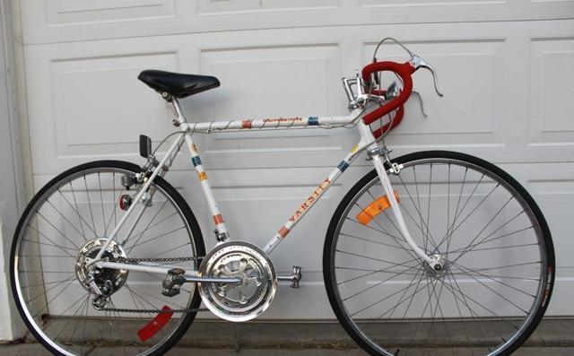 Vintage 1976 Schwinn Bicentennial Road bike 55cm