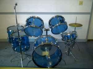 Vintage 1978 Ludwig Drum Set Clear Blue - $1200 Walnut Ms