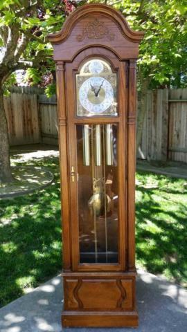 Vintage 1980 S Howard Miller New Yorker Grandfather Clock For