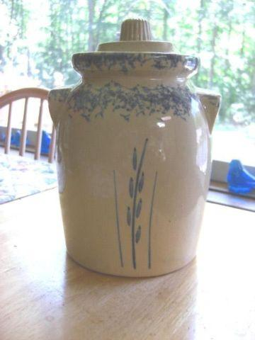 VINTAGE 2qt canister Robinson-Ransbottom Blue Sponge, Wheat Pottery
