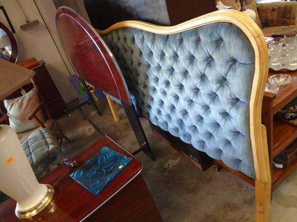 Vintage 50s French Provincial Tufted Blue Velvet King