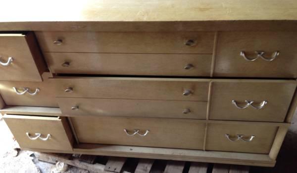 vintage 60 39 s 6 drawer dresser for sale in akron ohio classified. Black Bedroom Furniture Sets. Home Design Ideas