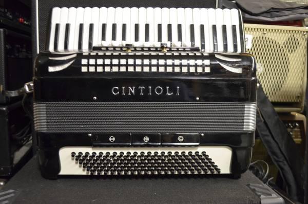 vintage 60 39 s cintioli accordion full size made in castelfidardo italy for sale in philadelphia. Black Bedroom Furniture Sets. Home Design Ideas