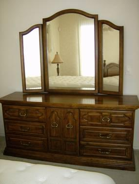 Vintage American Of Martinsville 6 Pc Oak Bedroom Set For