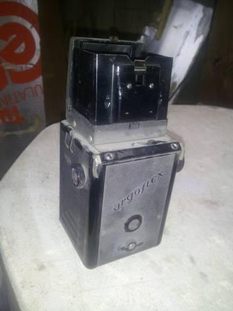 Vintage Argoflex TLR and Fujica rangefinder - $30