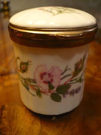 Vintage Aynsley Trinket Box English Bone Chine - $15