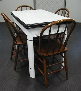 Vintage B W Retro Style Porcelain Top Kitchen Table 4 Chairs For Sale In Concord Ohio