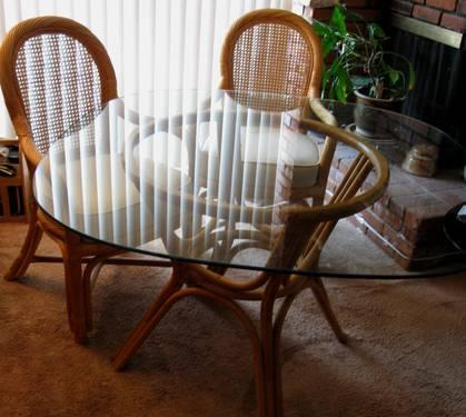 Vintage Bamboo And Rattan Pedestal Round Glass Top Dining Table For Sale In C