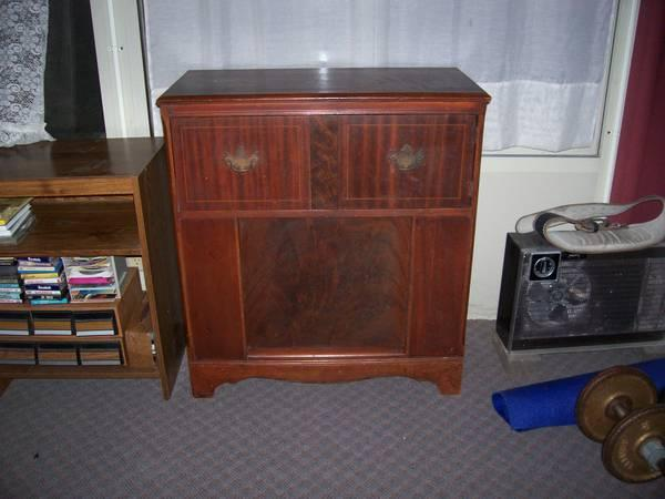 Vintage Bedix Radio Record Player cabinet
