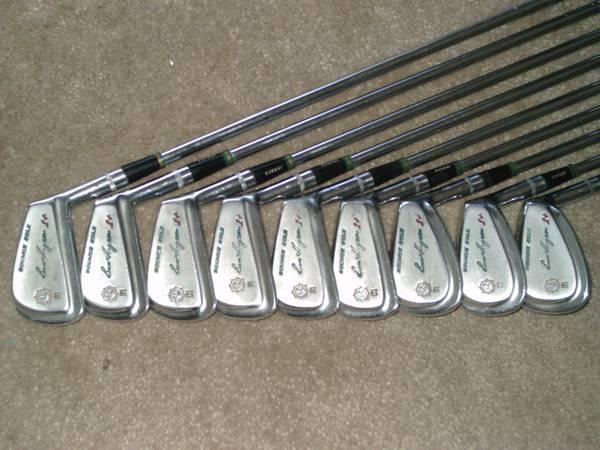Vintage Ben Hogan Golf Clubs 850