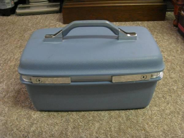 Vintage Blue Samsonite Travel Make Up Luggage Case - $20