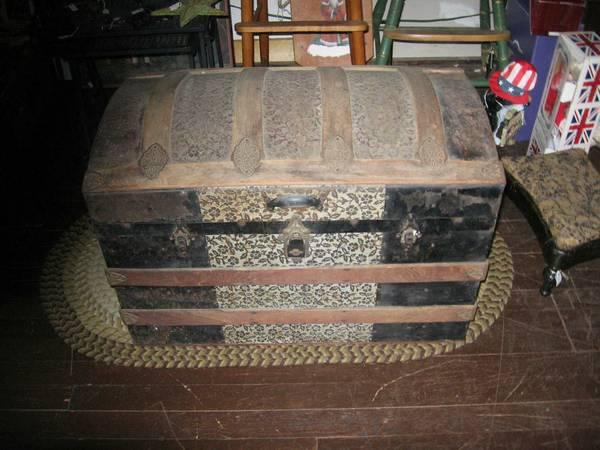 Vintage Camel Back Steamer Trunk with Wooden Ribs, aka