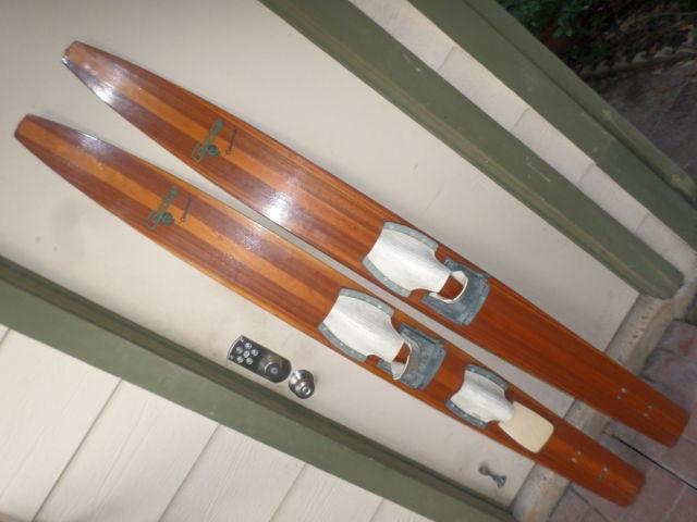 Vintage CAPRICE CATAMARAN Western Wood Water Skis Nice Display Skis
