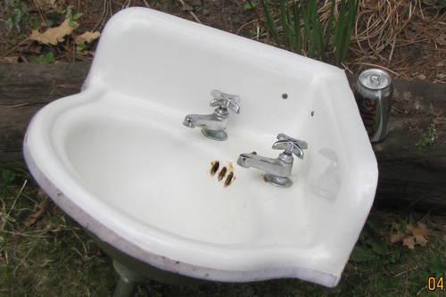 VINTAGE CAST IRON BATH ROOM CORNER SINK WITH FAUCETS - SALE