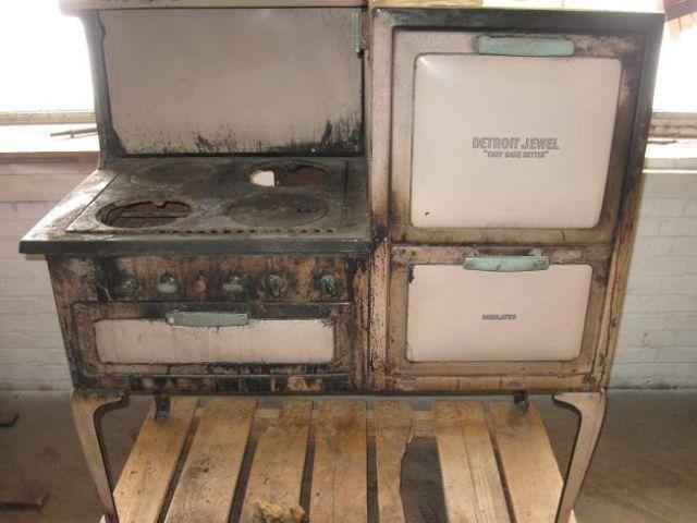 Vintage Detroit Jewel Gas Stove