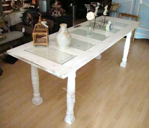 >>>VINTAGE DISTRESSED FARM TABLE WITH GLASS INSERTS>>Urban
