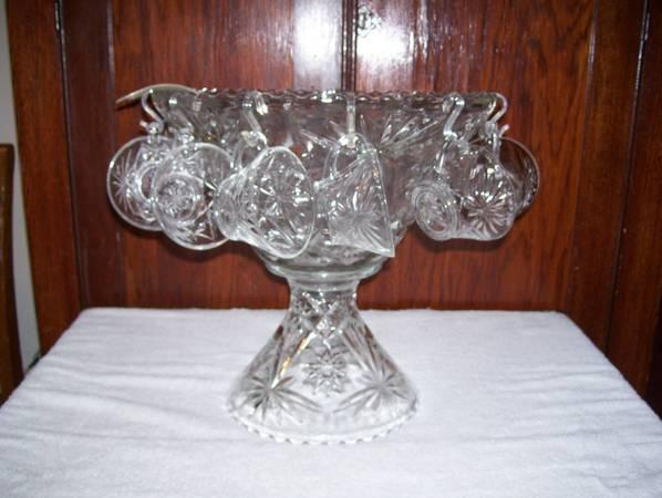 VINTAGE EAPG Anchor Hocking Star of David Pedestal, Punch Bowl, Cups - $1