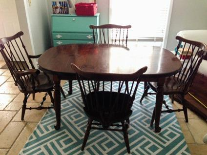 Vintage Ethan Allen oak dining room table & 6 chairs