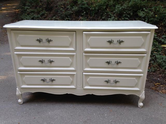 Vintage French Provincial 6 Drawer Dresser
