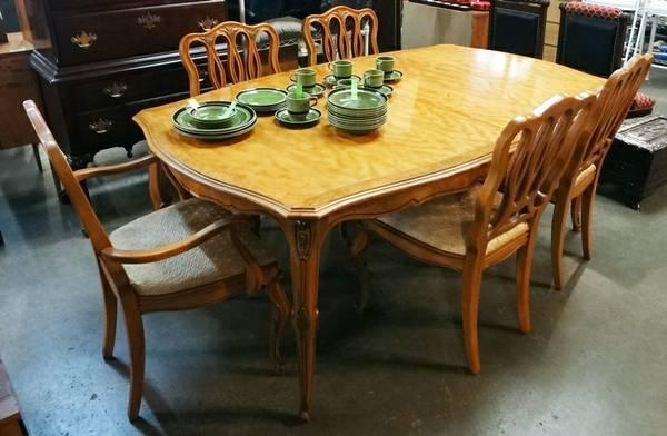 Vintage French Provincial Dining Table And 6 Chairs For Sale In Austin Texas Classified Americanlisted Com