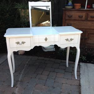 Vintage French Provincial Vanity For Sale In San Jose