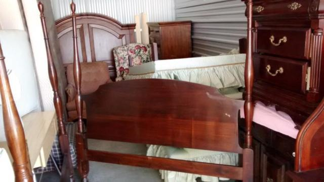 VINTAGE FULL BED FRAME 4 POST