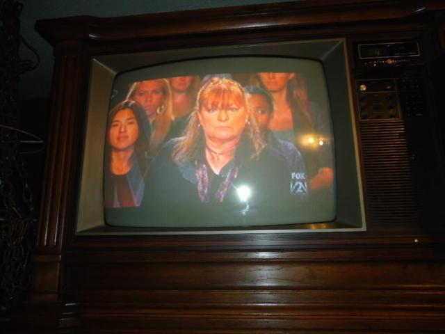 Vintage General Electric Color Floor Model Wood Television TV--WORKS