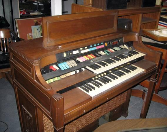 vintage hammond electronic organ with leslie animation for sale in hempstead new york. Black Bedroom Furniture Sets. Home Design Ideas