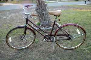 Vintage Huffy Regatta 3 Speed Beach Cruiser Womens