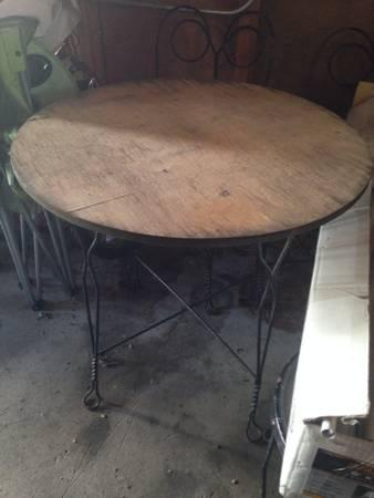 Vintage ice cream Bistro table and chairs - $200