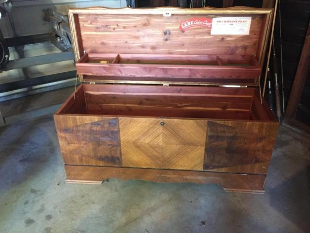 Vintage Lane cedar chest. Excellent condition. Original Lane insurance