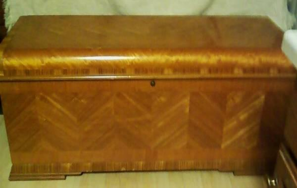Vintage Lane Cedar Lined Hope Chest W Key For Sale In