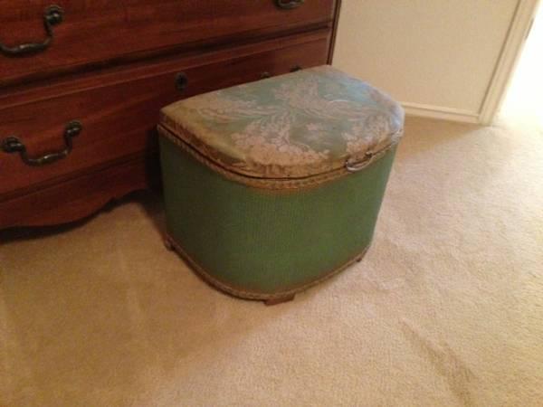 Vintage Laundry Hamper For Sale In Leander Texas