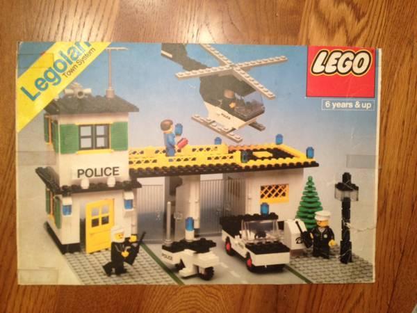 Vintage Lego Set Police Station 588 Complete Winstructions