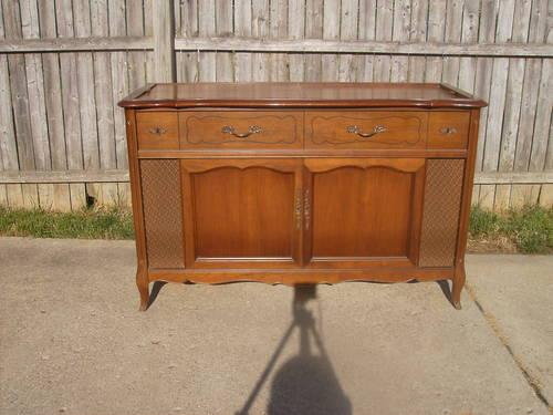 Vintage Magnavox Imperial Record Stand/Cabinet/Console