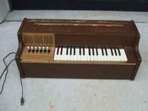 Vintage Magnus Chord Organ Julington Creek For Sale In