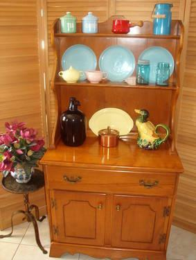 Vintage Maple 2 Piece Cupboard Hutch.