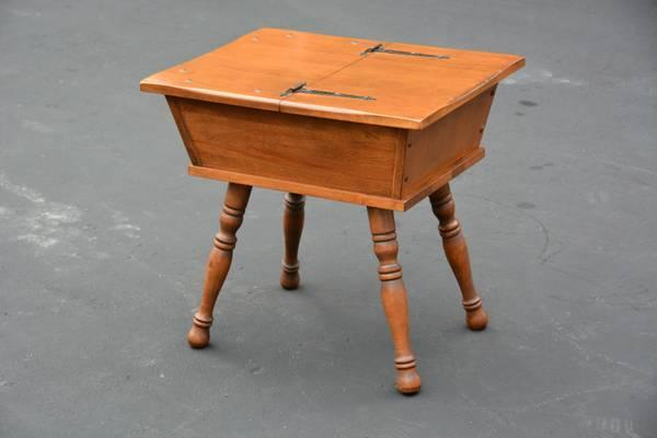 VINTAGE MAPLE DOUGH BOX END SIDE LAMP TABLE ~ SOLID WOOD - for Sale in Philadelphia ...
