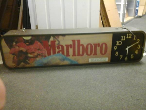 Vintage Marlboro Lighted Sign Clock For Sale In Seymour
