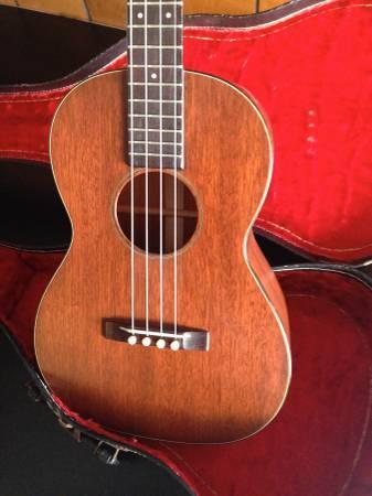vintage martin baritone ukulele for sale in lansing new york classified. Black Bedroom Furniture Sets. Home Design Ideas