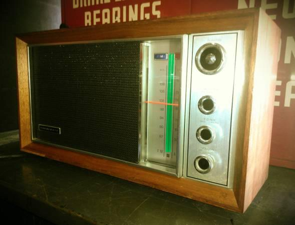 vintage mcm mid century modern panasonic am fm radio model re7259 for sale in orange new. Black Bedroom Furniture Sets. Home Design Ideas