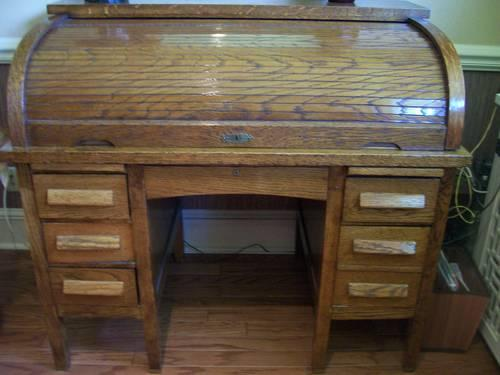 Vintage Oak Roll Top Desk and Chair - 1930's - Vintage Oak Roll Top Desk And Chair - 1930's For Sale In Camden, New
