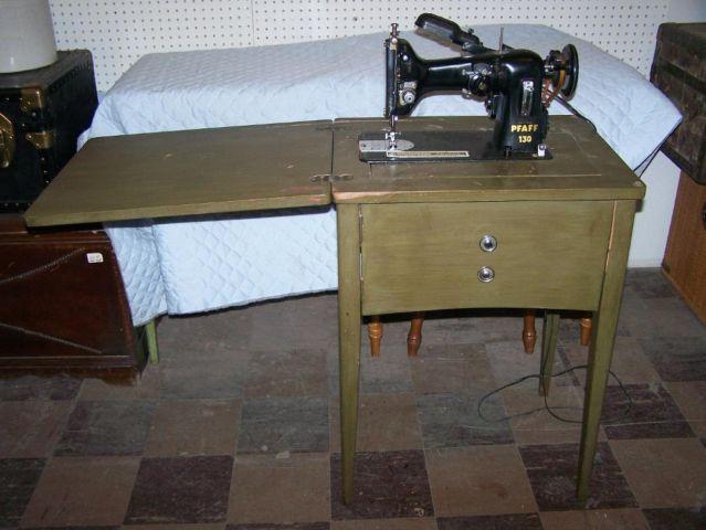 vintage pfaff sewing machine model 130 in cabinet for sale in saint louis missouri classified. Black Bedroom Furniture Sets. Home Design Ideas