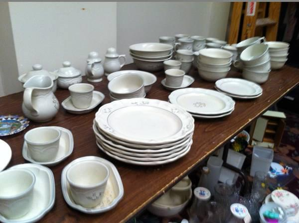 vintage pfaltzgraff heirloom dishes many pieces