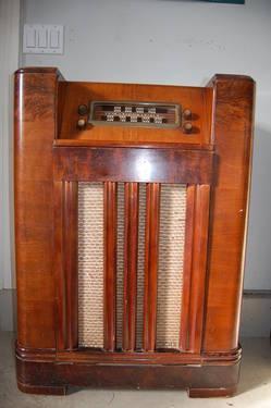 Vintage Philco Radio And Phono