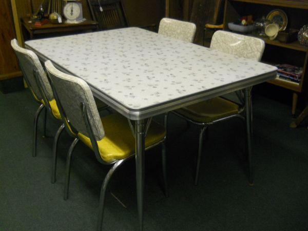 vintage retro 1950 39 s formica top kitchentable 4 chairs 3970