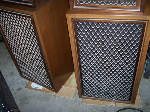 Vintage Sansui Sp 2002 5 Way Speakers In Walnut Cabinets